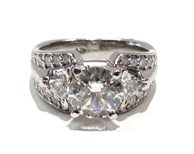 Platinum Round and Trillion cut Diamond wedding ring 344ctw with